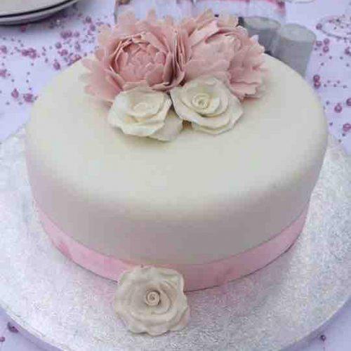 Simple Wedding Cake Algarve